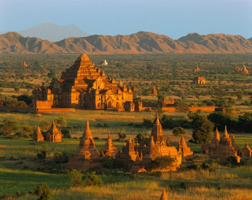 Bagan, Myanmar © Jon Ortner