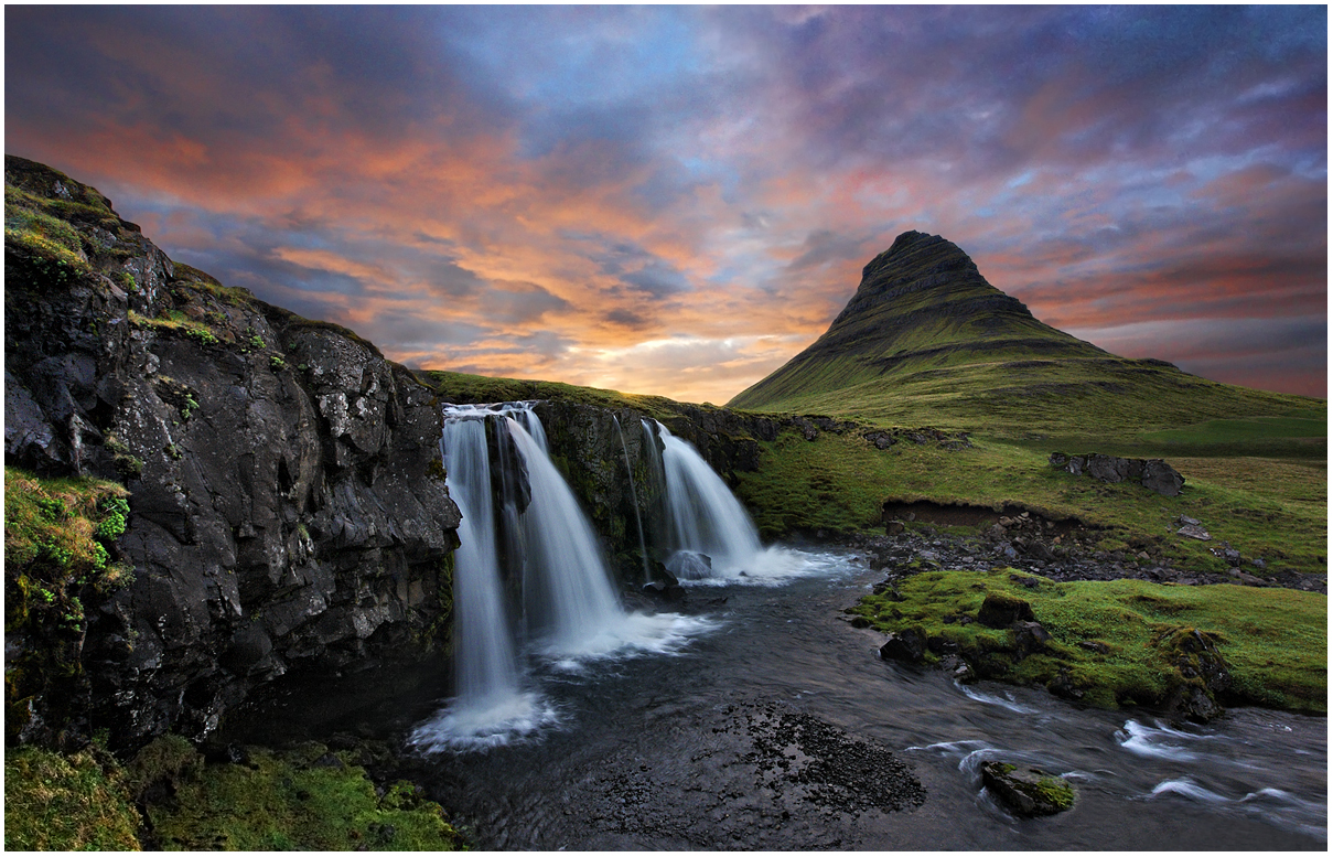 Photo of Mt. Kirkjufell © Roman Kurywczak, three waterfalls in mountain terrain