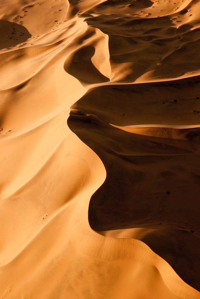 Color photo of dunes © Andy Katz