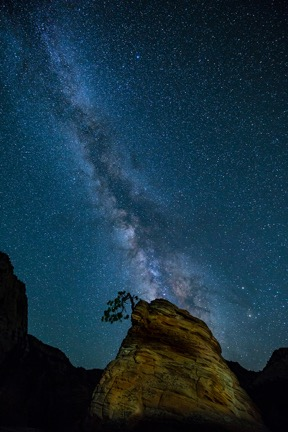 Milky Way over Zion © David Akoubian