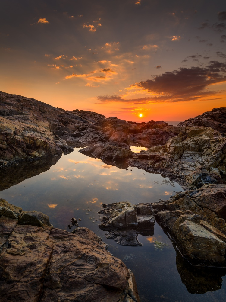 Sunrise and Rock Pools, Hunters Head, Pentax 645Z, 28-45mm @28mm, 1/3 sec. at f/16, ISO 100, graduated ND filter, © 2021 Michael Hudson